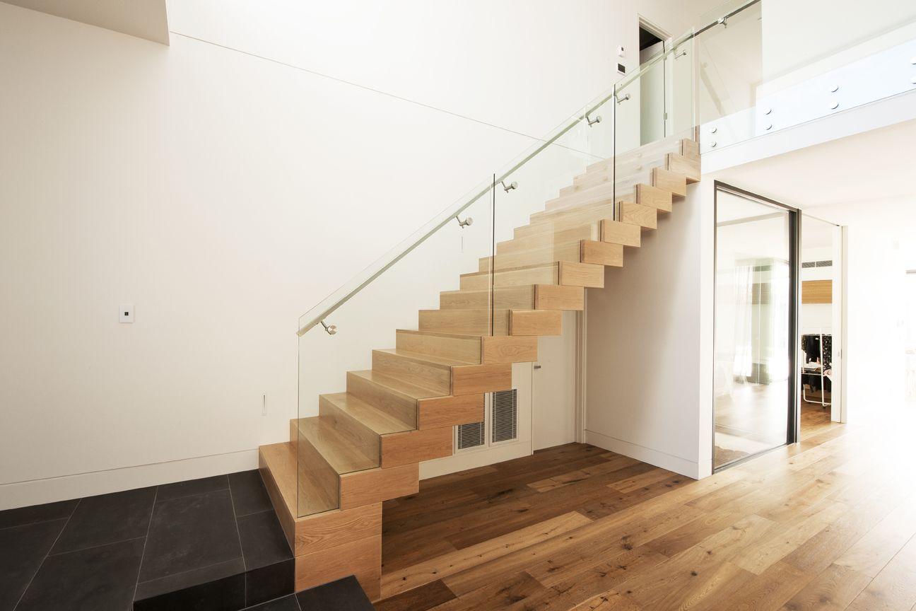 Лестница из ясеня ЛЯ1