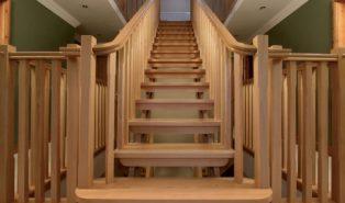 Прямая лестница из дерева ЛП32