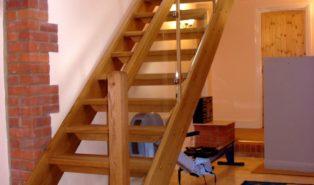 Лестница из массива бука ЛБ10