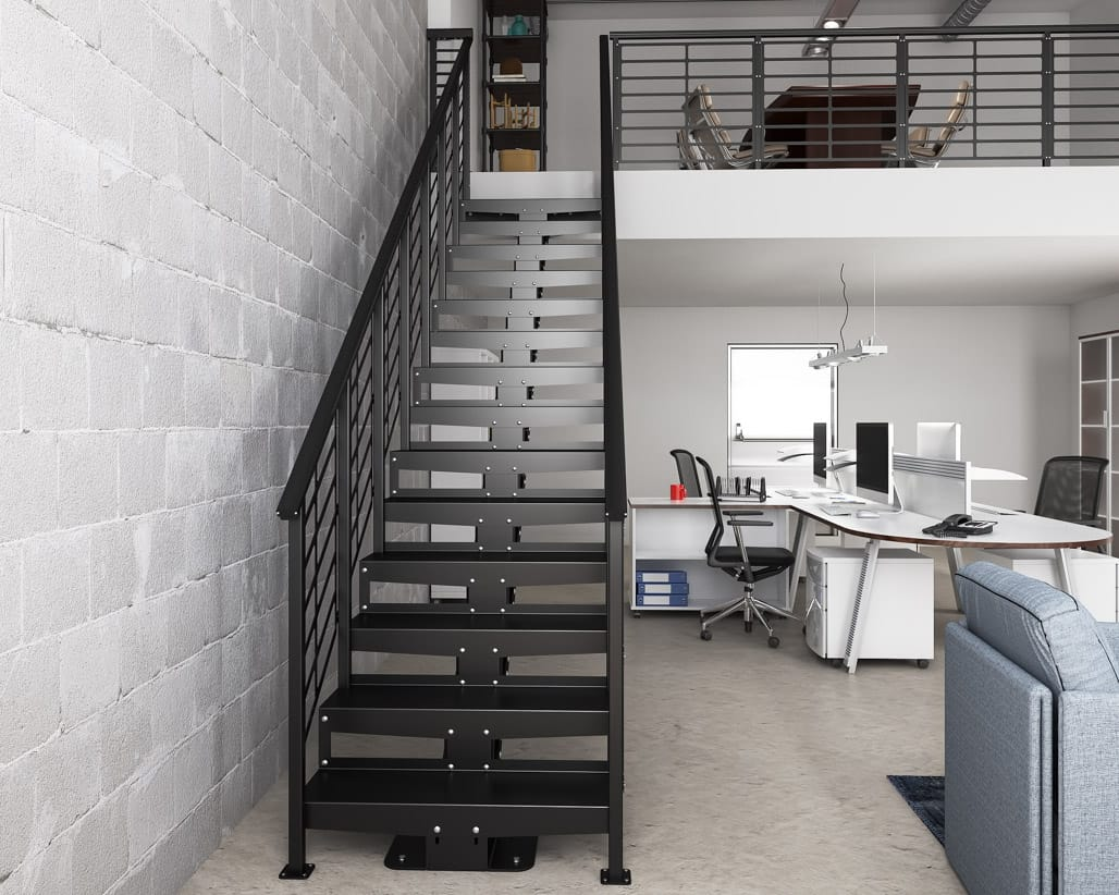Прямая металлическая лестница ЛМП10