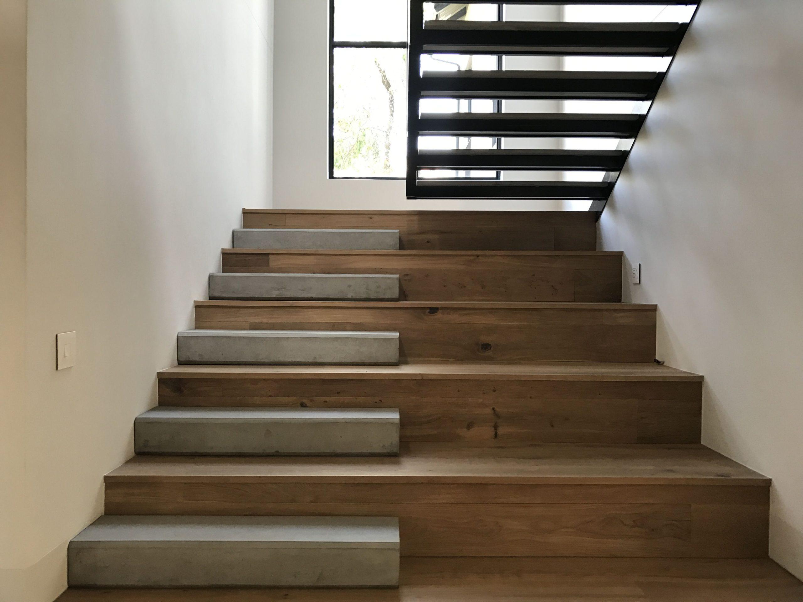 Отделка лестницы деревом ОЛД11