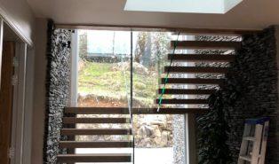 П-образная лестница, ступени массив, у окна ЛПО11