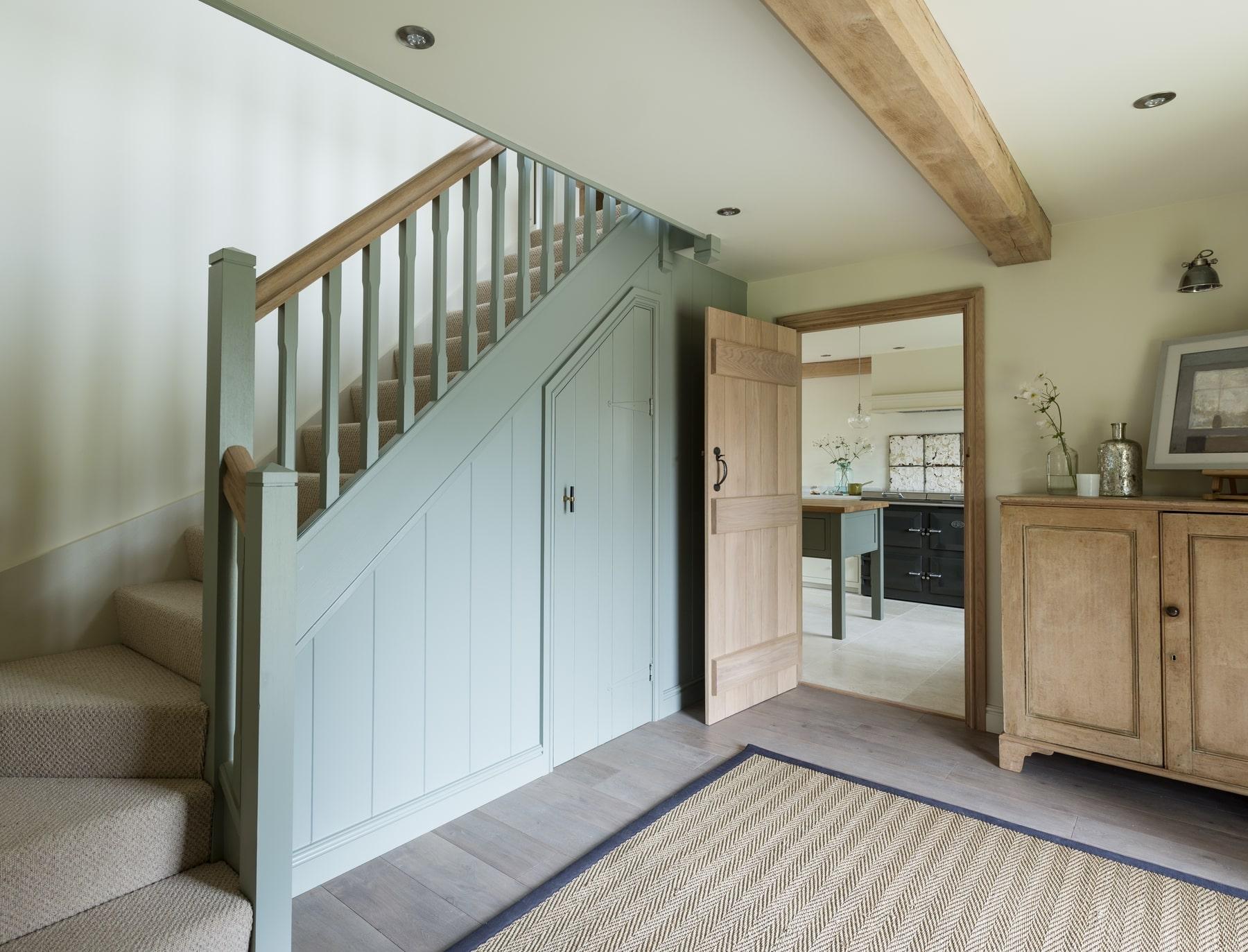 Лестница, массив дуба, ковролин ЛД11