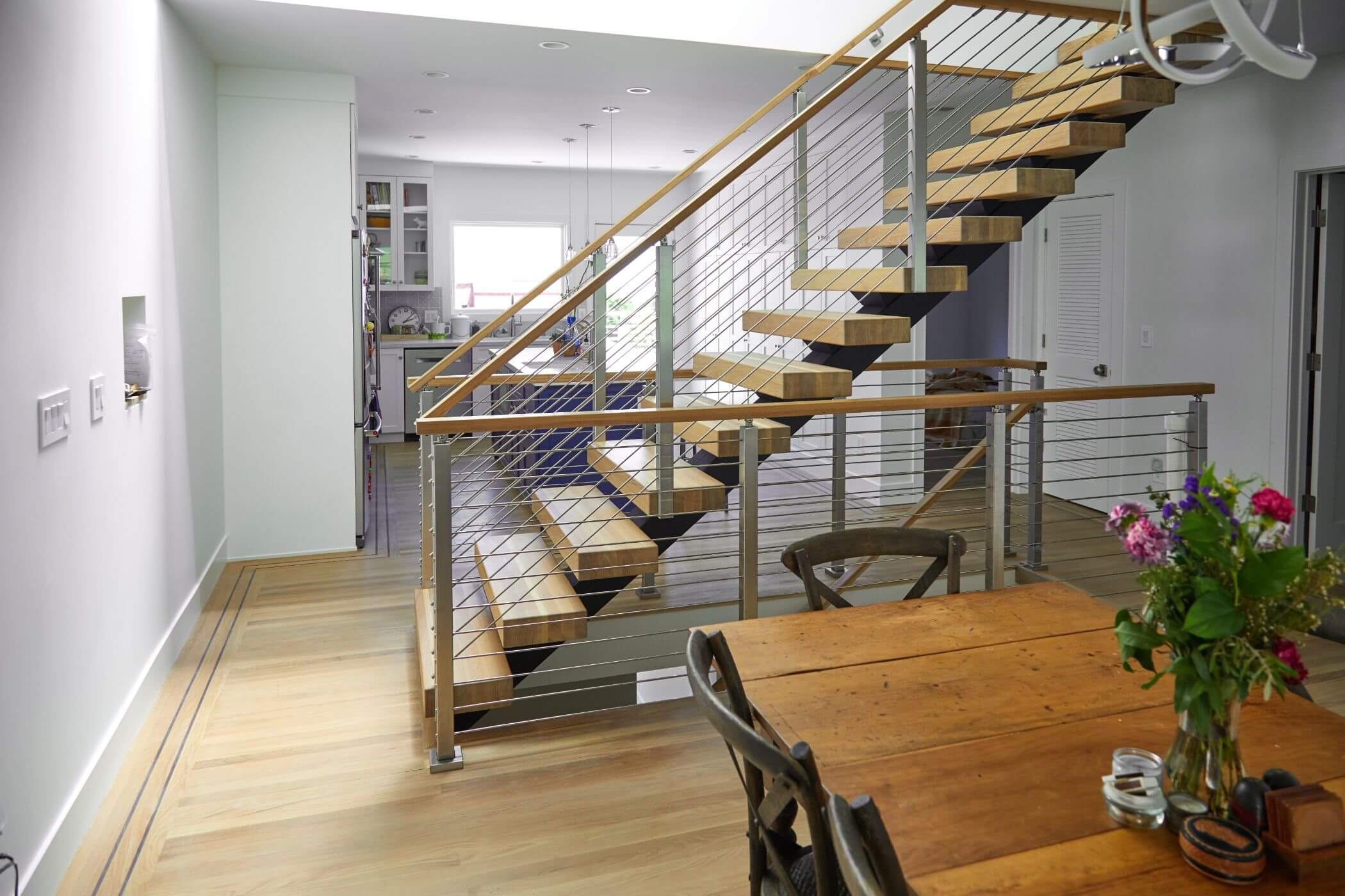 Лестница прямая, ступени из дерева ЛП12