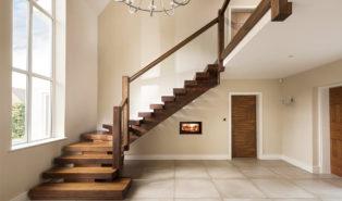 Г-образная лестница из темного дерева ЛГО13