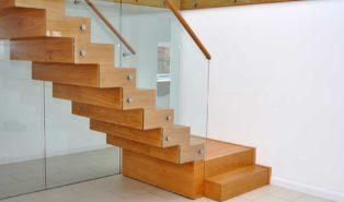 Лестница из лиственницы ЛЛ15