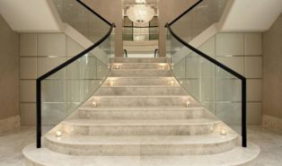 Отделка лестницы мрамором ОЛМ15