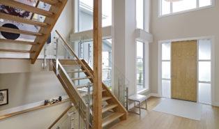 Лестница из лиственницы ЛЛ16