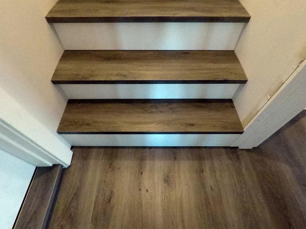 Отделка лестницы ламинатом ОЛЛ17