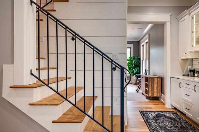 Лестница буквой П с деревянными ступенями ЛПО19