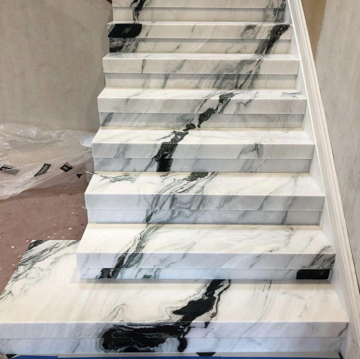 Отделка лестницы мрамором ОЛМ2