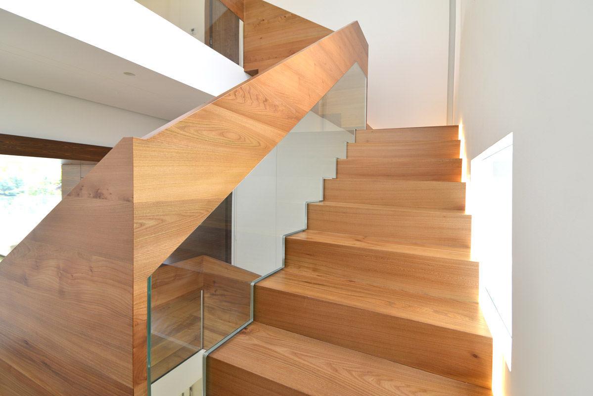 Прямая лестница из дерева ЛП1