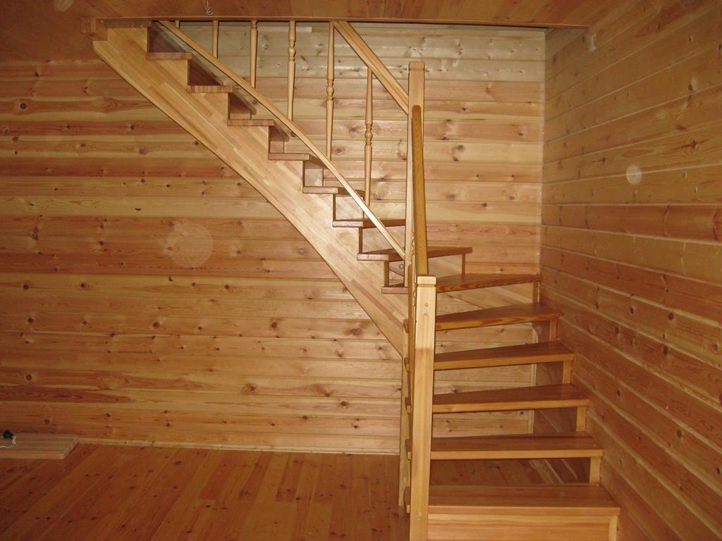 Лестница из лиственницы ЛЛ20