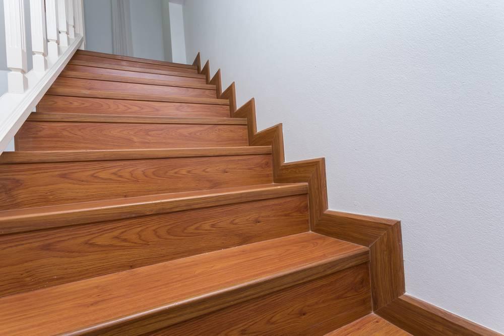 Отделка лестницы ламинатом ОЛЛ20