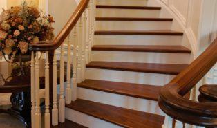 Лестница из лиственницы ЛЛ21