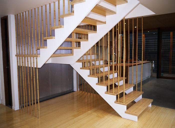 Лестница П-образная из дерева ЛПО22