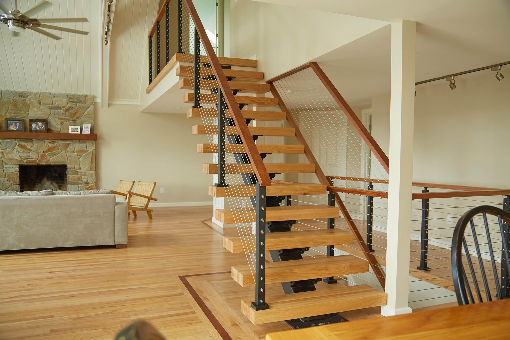 Прямая лестница, ступени из светлого дерева ЛП23