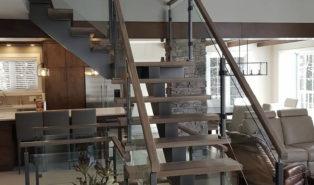 Металлокаркас, Г-образная лестница, темные ступени ЛМГО24