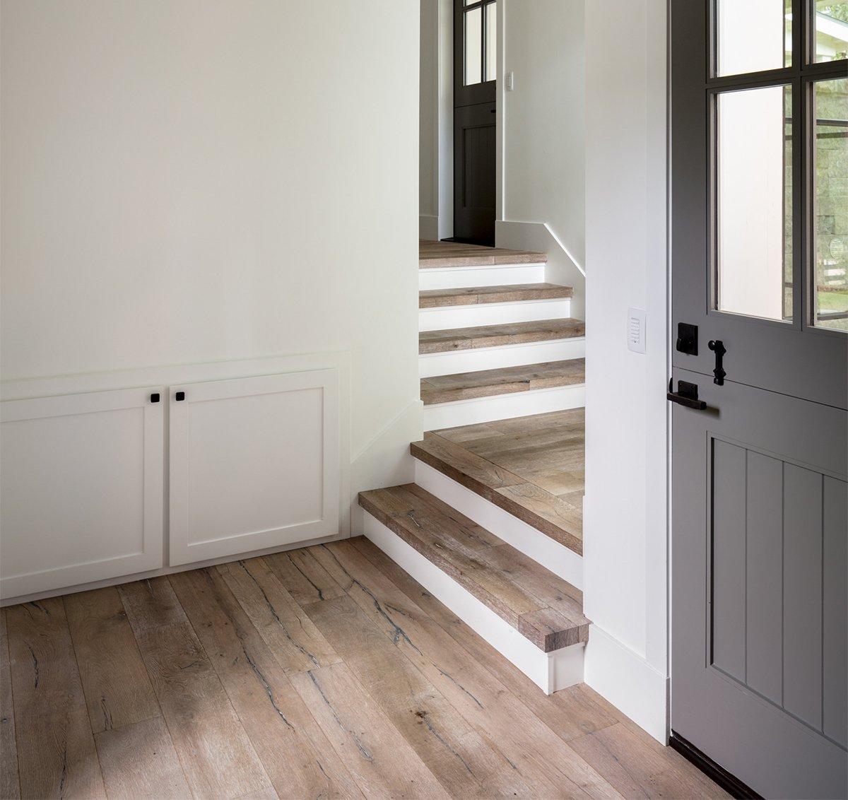 Отделка лестницы ламинатом ОЛЛ25