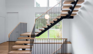 Металлокаркас, Г-образная лестница, светлые ступени ЛМГО25
