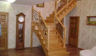Лестница из лиственницы ЛЛ26