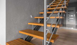 Прямая лестница, металлокаркас, ступени из массива ЛП26