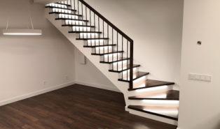 Лестница, ступени из темного ясеня ЛЯ25