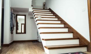 Лестница из массива бука ЛБ27