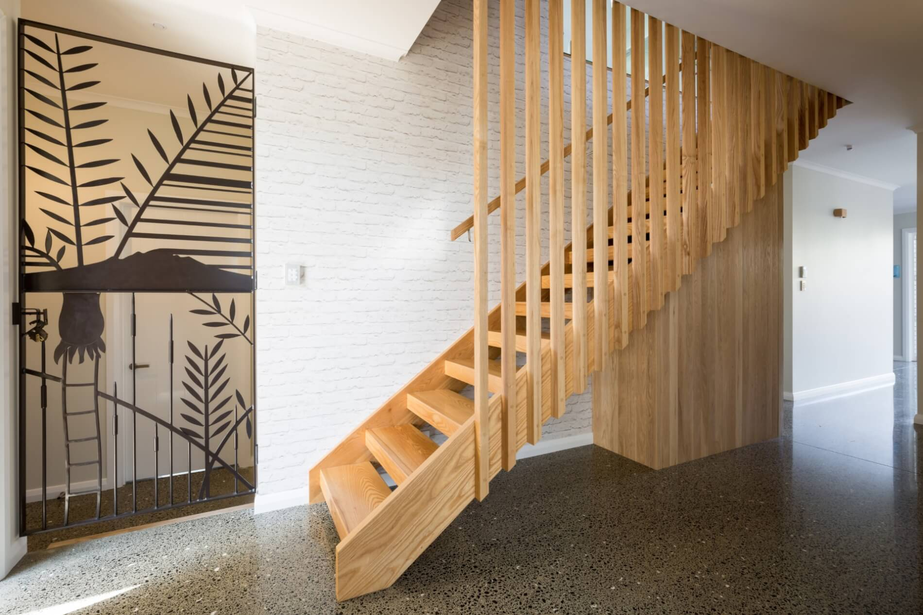Прямая деревянная лестница ЛП27