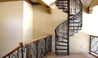 Винтовая металлическая лестница, узорчатая ЛМВ28