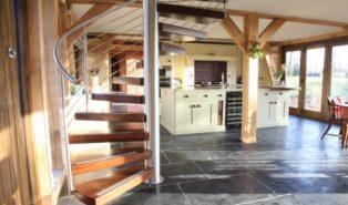 Винтовая лестница, деревянные ступенями ЛВ3
