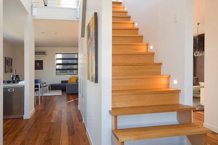 Отделка лестницы ламинатом ОЛЛ30