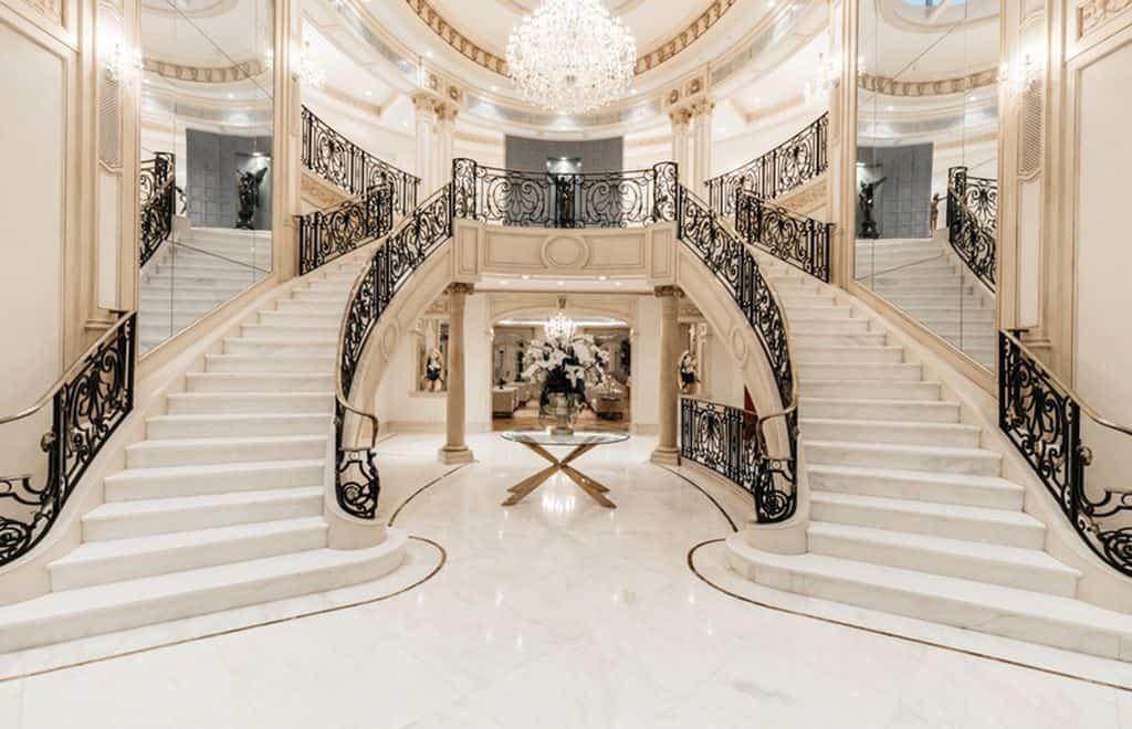 Отделка лестницы мрамором ОЛМ30