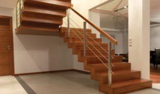 Прямая классическая лестница из дерева ЛП30