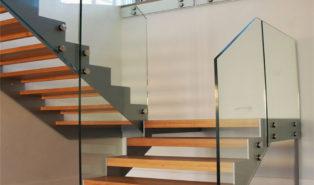 Лестница буквой П, металлокаркас, ступени из дерева ЛПО30