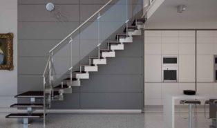 Стильная Г-образная лестница из металла ЛМГО30