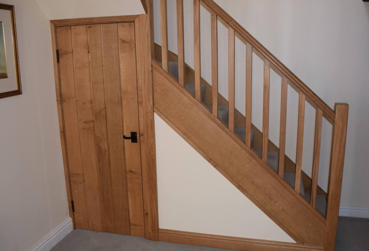 Лестница из массива лиственницы ЛЛ4