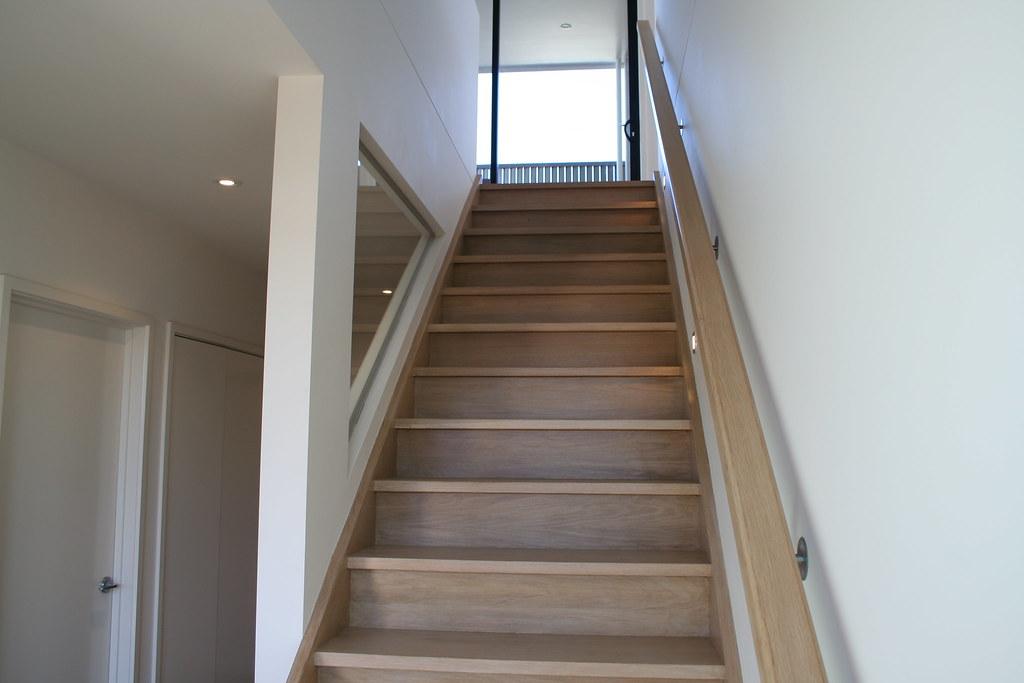 Лестница из ясеня ЛЯ6