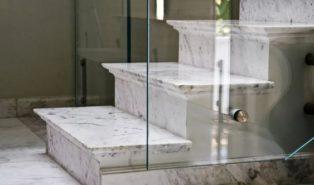 Отделка лестниц мрамором ОЛМ7