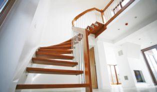Лестница из бука ЛБ8